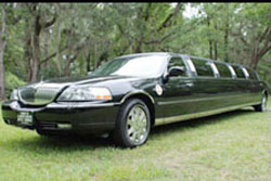 L-Series Black Lincoln Superstretch Limousine
